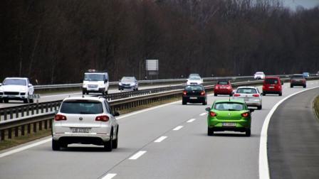 跑高速时,车速120才是最费油的?老司机:这个速度才最省油!