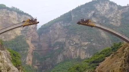 中国跨山大桥是如何修建的?山上无任何支撑,德国工程师连声称赞