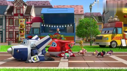 超级飞侠:小猪真是可怜,就想去吃点姜饼,包警长还总是阻拦他