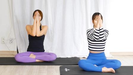 四分钟上肢伸展运动,坐在地上动一动,从肩到胳膊都舒服