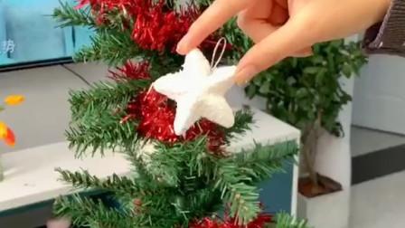 圣诞已经过去,但是我现在还非常喜欢这个圣诞树