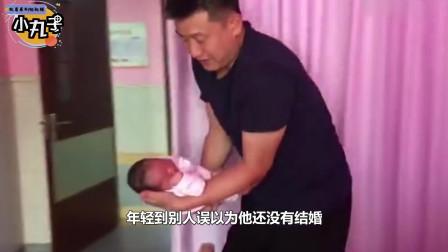 """""""最嫩奶爸""""火了,在家带娃却被误认为是哥哥,妈妈:这是我老公"""