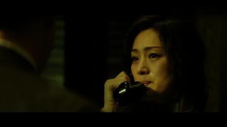 谍海风云安娜刚说完爱老公, 转身就和索姆斯亲热, 这时有人敲门