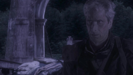 黑暗复仇者:塔娜追击到桥上,老人想告诉赞一行人的踪迹