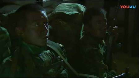 《士兵突击》成才太聪明,几十秒变出一锅馒头,不料两战友不领情!