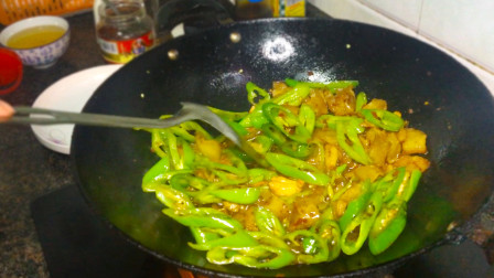 怪不得酒店的回锅肉那么好吃,原来大厨是这样炒的!
