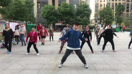 最新热门的鬼步舞,舞步时尚,老师教你如何快速学会《奔跑》