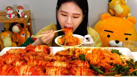 """韩国吃货卡妹:""""爆辣""""杂面+泡菜,直接大口咀嚼,恕我有些直咽口水"""