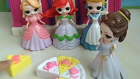 贝儿买了蛋糕要给白雪,公主们都说贝儿这样做不对,你们觉得贝儿这样做对吗?