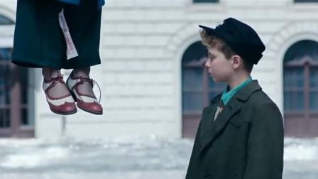 豆瓣8.7分,小男孩给母亲的遗体系鞋带,我是哭着看完的