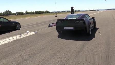暴躁小哥克尔维特C7 Z06,刚跑出没多远,驾驶员技术不过关直接漂移进绿化带