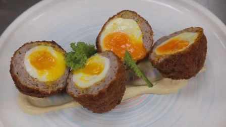 他学日语转行做苏格兰炸蛋:香蕉酱面包糠裹蛋油炸,口感新奇