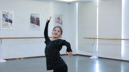 祥云舞动春风得意意味深长,这样的舞蹈水平,能考进哪个舞蹈大学