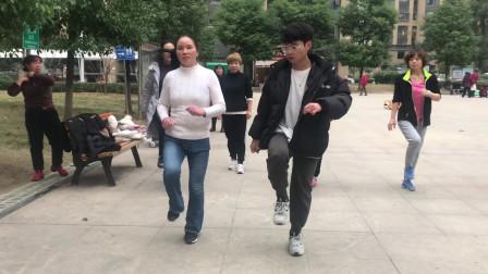 鬼步舞新手必学《奔跑》,动感健身操,坚持跳有效减肥