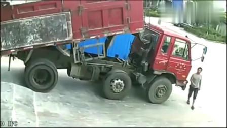 大货车司机以这种方式离开人世,家人不能接受,监控拍下悲惨一幕!