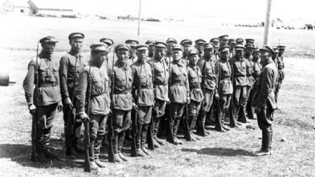 """为抵抗日军,这支""""伪军""""穿过苏联蒙古,跋涉千里只为回国抗战"""