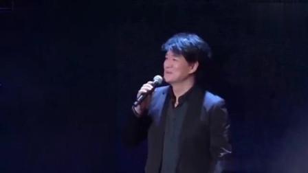 50届金钟奖晚会周华健压轴表演《歌曲串烧》,回忆经典,想哭!