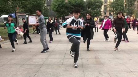 鬼步舞入门《奔跑》教学,动作简单,老师教的超详细