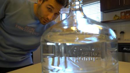 老外挑战5天不吃食物,每天早上只喝一杯水,镜头记录5天全过程