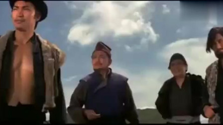 功夫片:父亲被日本武士杀害,男孩躲进大山苦练霹雳拳,替父报仇