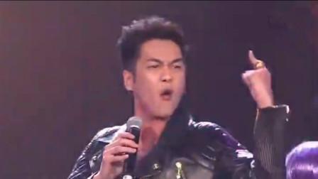 第一次见假唱这么慌张的对口型,网友:张若昀唱出了二哈的气质