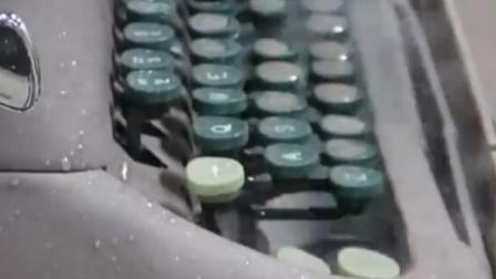 加压400兆帕的水,竟然轻易切开打字机,网友一脸震惊!