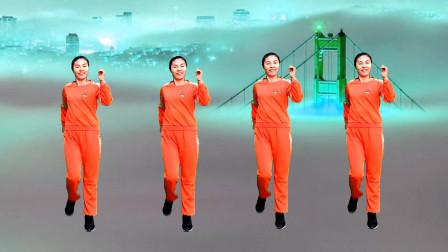 网红踩点步,聊天踩点两不误,冬季练习基本步夏季就跳广场舞