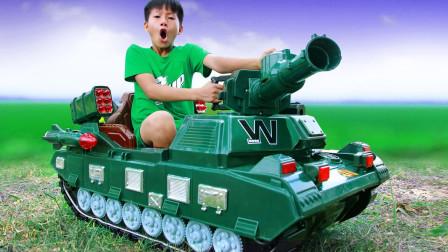 超炫酷!萌宝小正太重新购买辆坦克玩具车要做什么呢?趣味玩具故事