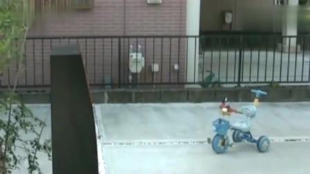 灵异事件:宝宝落在小区的车子,监控却拍下这一幕让人不寒而栗!
