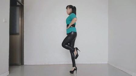 超高跟鬼步舞《情火DJ》这样跳舞又费鞋子又费力,只能坚持跳一分钟