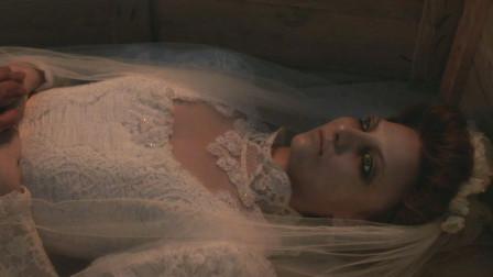 新婚之夜新娘被全家人塞进棺材,新郎无动于衷,太可怕了!
