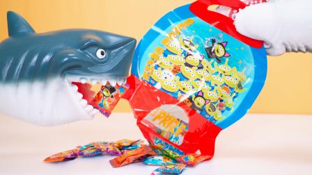 三眼仔太空船水果糖 橘子味VS葡萄味 鲨鱼爸爸试吃卡通零食