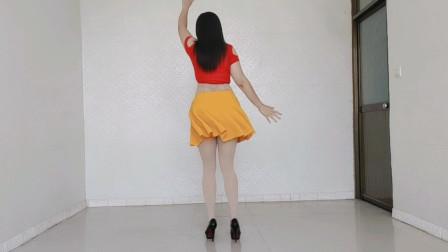 流行广场舞《是谁唱着一首歌》时尚动感活力健身,好听好看,正反面