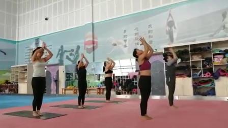 舞韵瑜伽《练习曲》