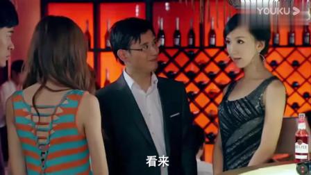 爱情公寓:曾小贤被当面挖墙脚,美嘉实在看不下去帮其找回颜面