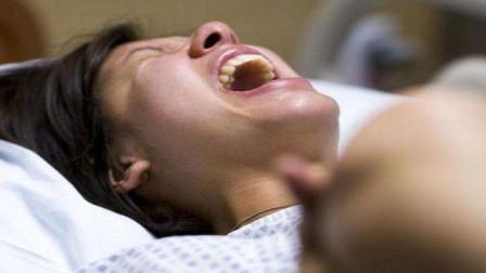 """顺产时妈妈不轻松,那胎宝宝是否也""""疼""""呢?看完心里有点感动"""