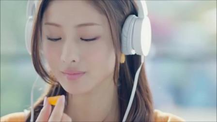 【日本美女广告】 石原里美系列 明治「果汁グミ」新cm『ヘッドホンみかん』篇