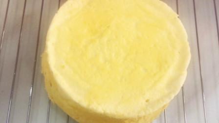 差点翻车的酸奶蛋糕,打开锅盖丑到不忍直视,幸好味道不错