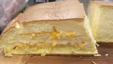 """刚出炉的""""大蛋糕""""怎么切?这刀法太讲究了"""