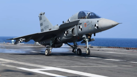 抓紧追赶中国!印度国产战机成功完成航母起降,创下世界纪录!