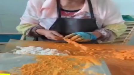 去同学家的加工厂看到的,原来骨肉相连是这样做出来的