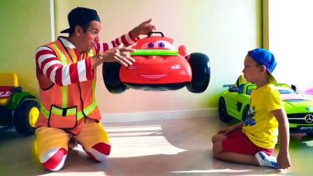 咋回事?萌宝小正太新买的车为何一下子就坏了?汽车总动员趣味玩具故事