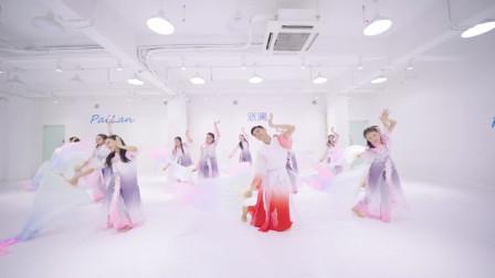 古典舞《浣纱歌》,郭老师教的不错,学员们学的认真!