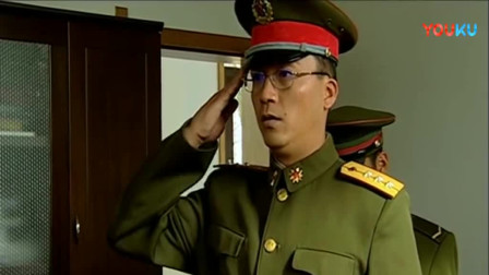 《士兵突击》团长简直太皮,用这招套路宝强,最后自己还忍不住乐!
