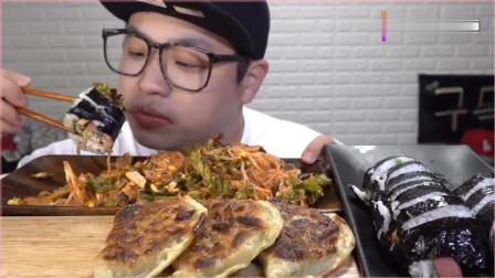 《农村美食》小哥吃香辣面条、大饺子、紫菜包饭,吃得太过瘾了。