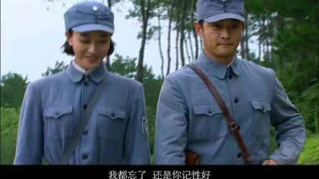 女兵:团长选女兵做代表,不料团长一看女兵稿直接没收了!