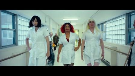 刘昊然被王宝强带坏了,换上护士服变身艳丽小护士