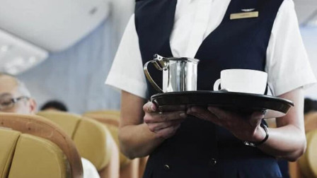 空姐遭男同事侵犯反被调岗 航空公司让她尊重施暴者