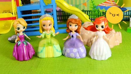 光头强帮助美丽的四位公主,造一艘冲浪船