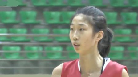 女版姚明强势出场!她16岁身高1米99,统治内线不是说说